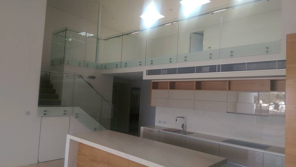 glass balustrade stairs