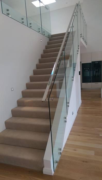 installed glass balustrades stairs